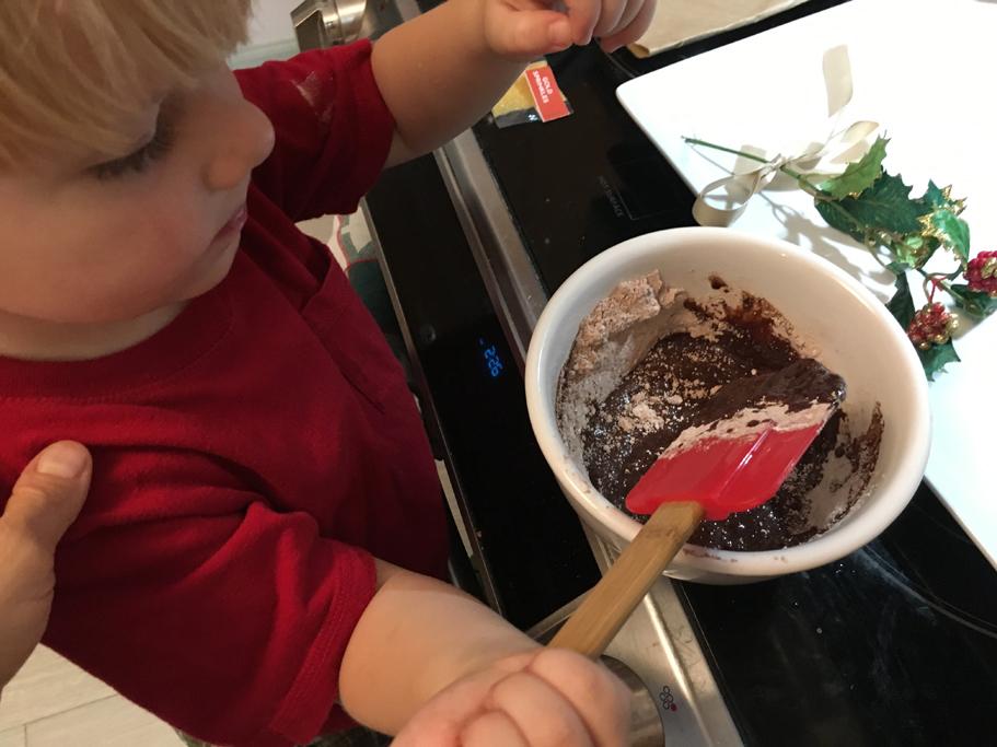 kids-baking-holiday-cookies